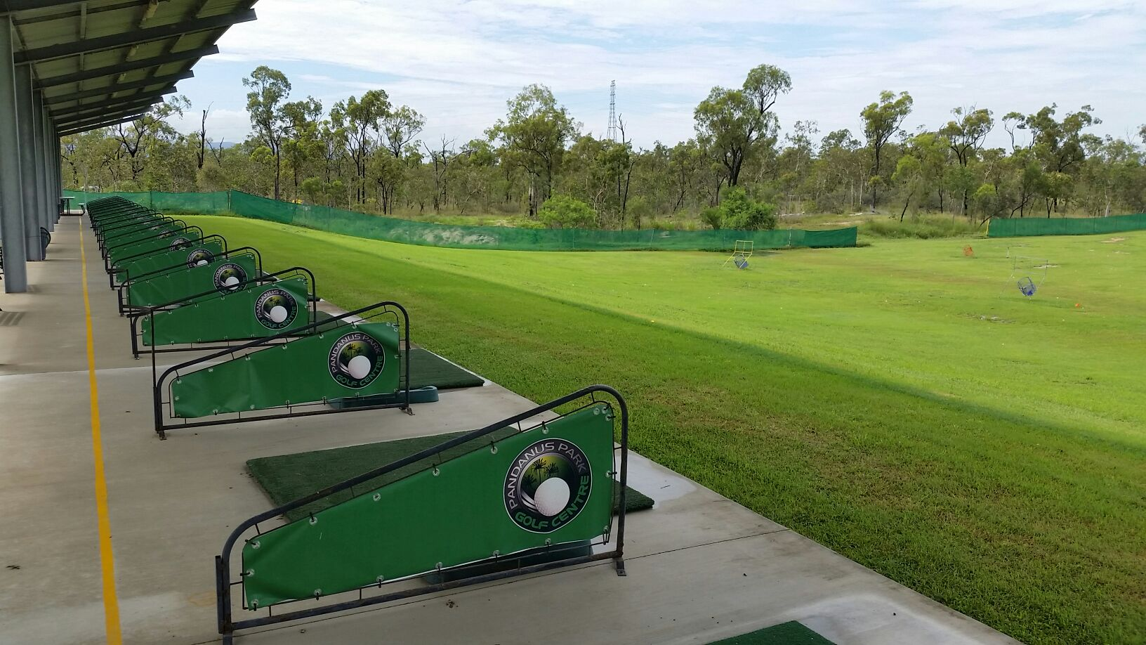 Townsville Golf Centre - Outdoor Driving Range
